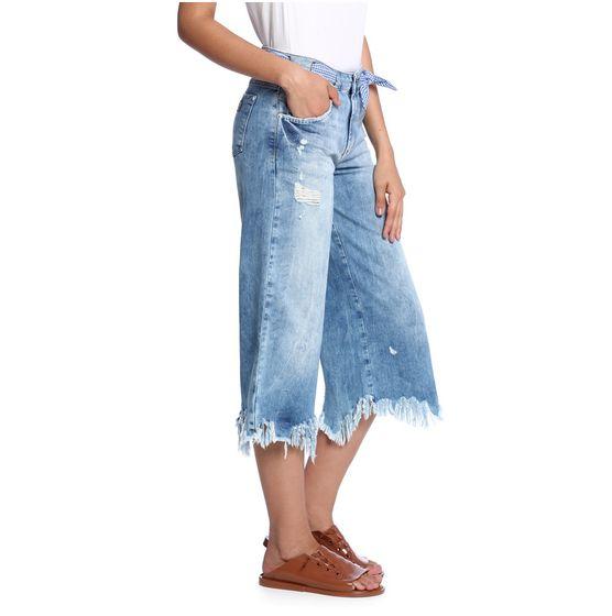 Calca-Pantacourt-Jeans-Feminina-Frente--