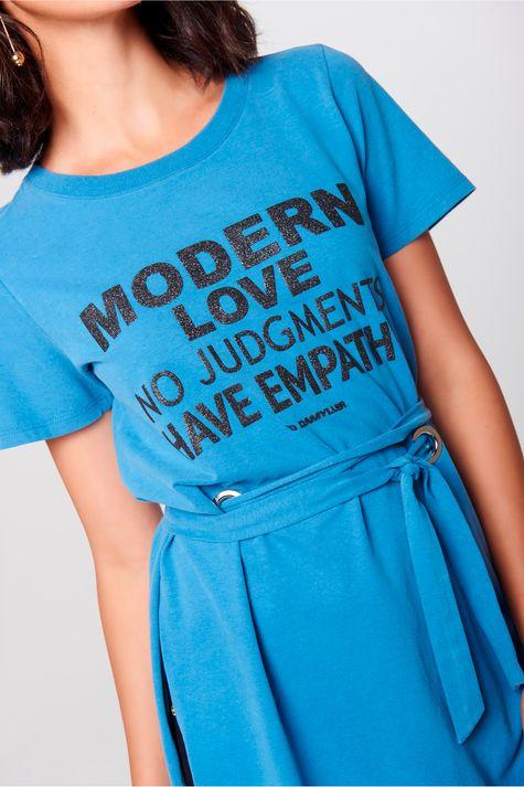 Camiseta-Alongada-Feminina-Detalhe--