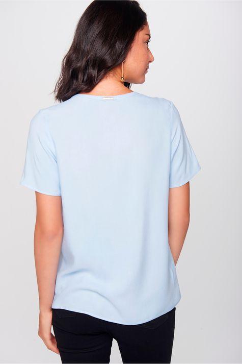 Blusa-Detalhe-Decote-Feminina-Frente--