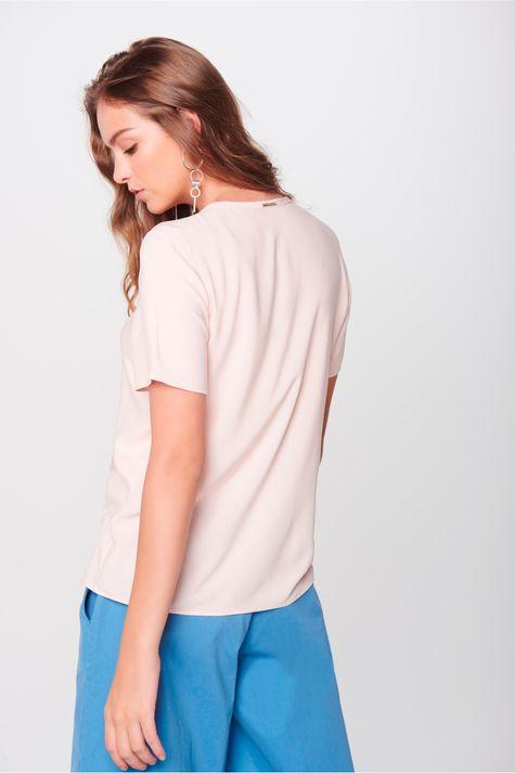 Blusa-Detalhe-Decote-Feminina-Costas--