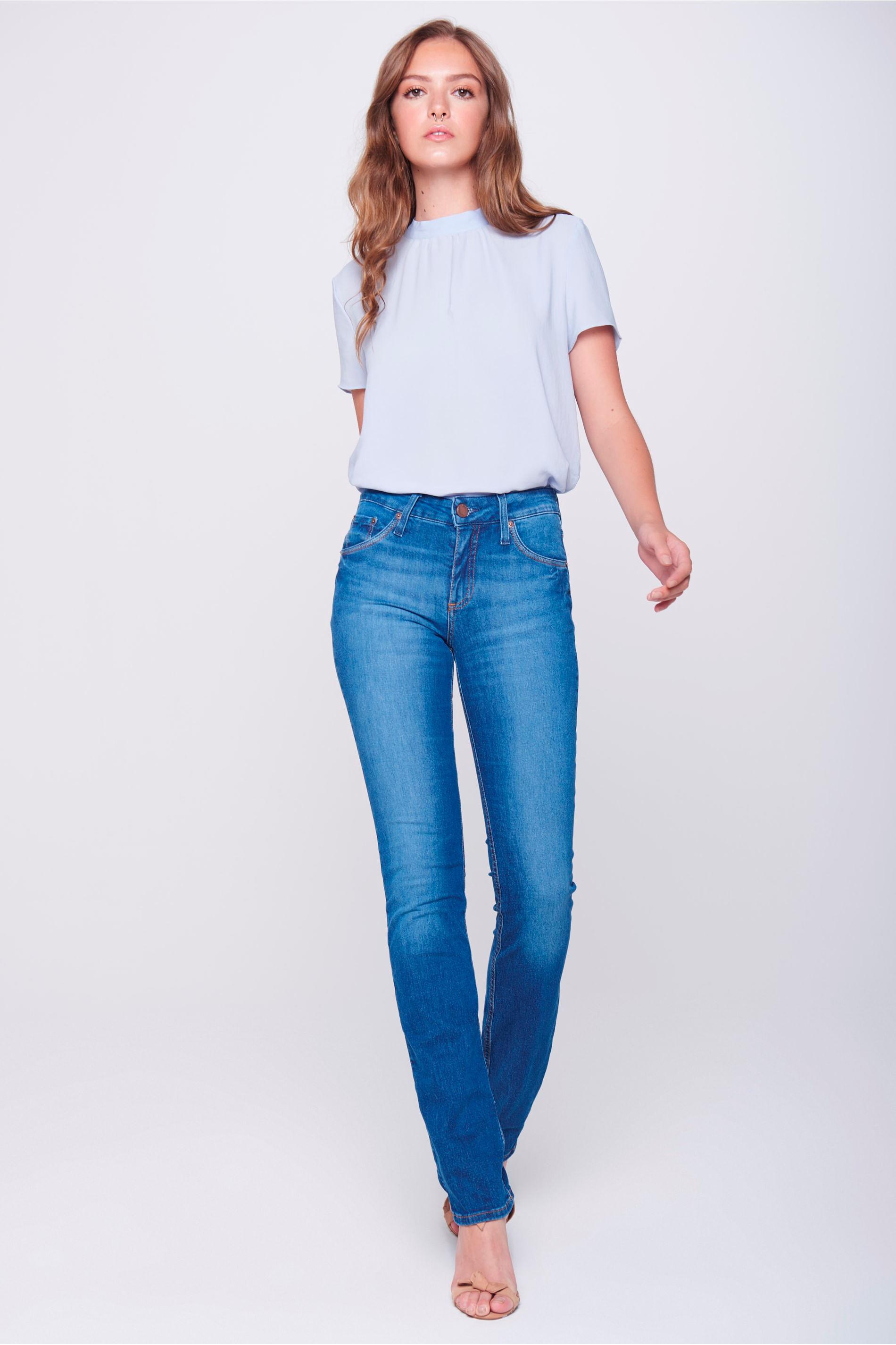 Calça Jeans Reta com Detalhe nos Bolsos - Damyller cb10c4bd214
