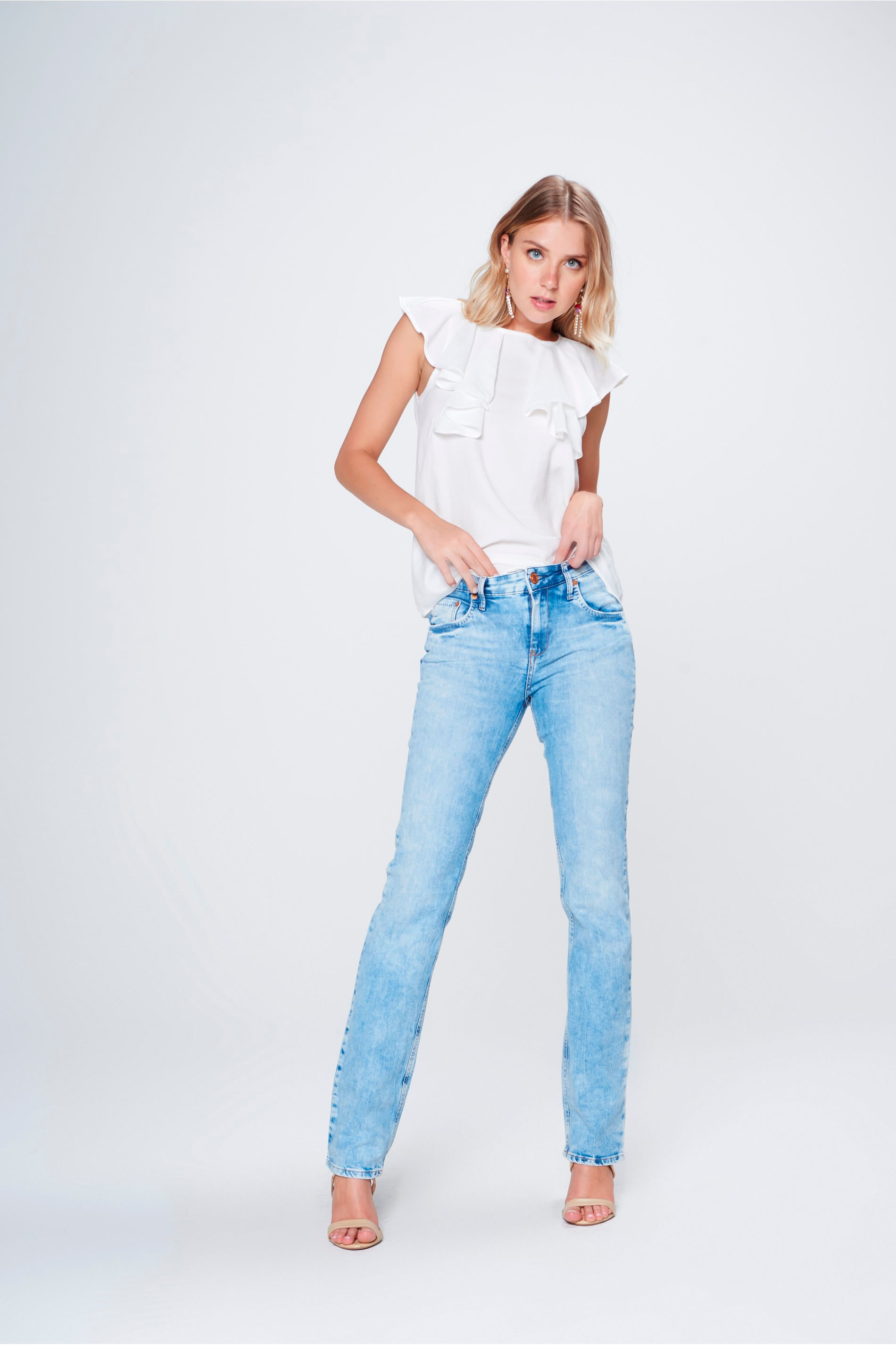 Calça Jeans Reta Básica de Cintura Alta - Damyller cde487f97f5