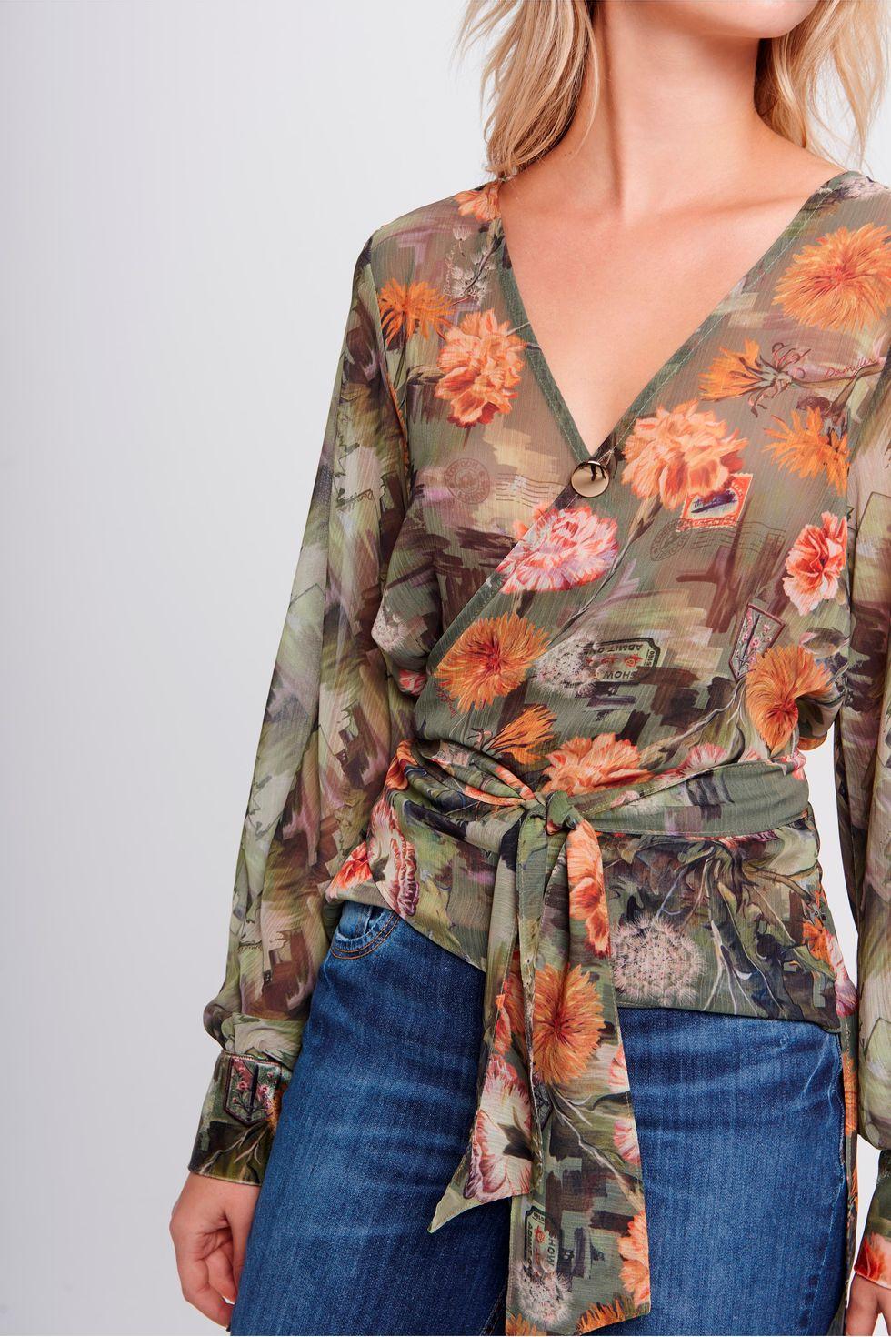 Camisa-Transpassada-Feminina-Detalhe--