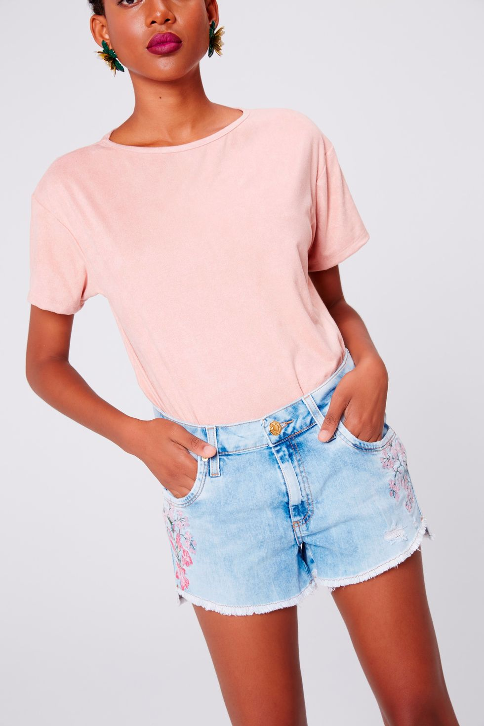 Mini-Shorts-Jeans-Bordado-Frente--