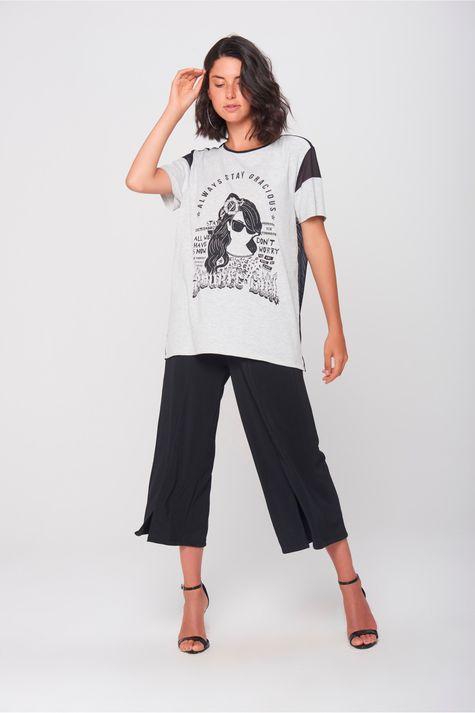 Camiseta-com-Transparencia-Feminina-Detalhe--
