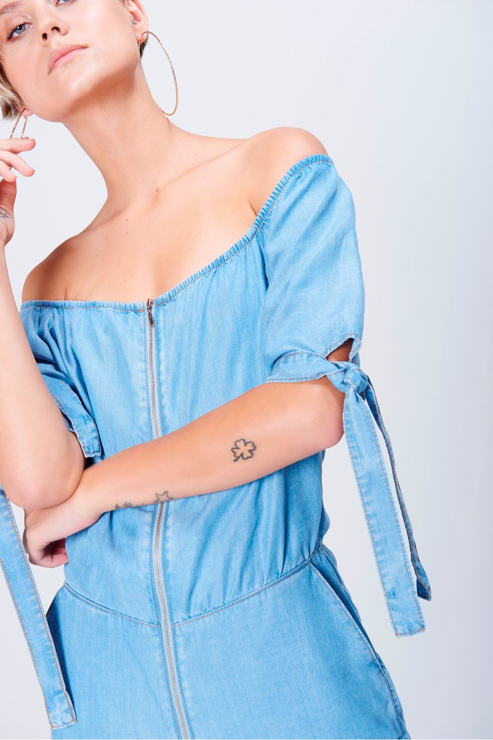 Macacao-Jeans-Cropped-Feminino-Detalhe-1--
