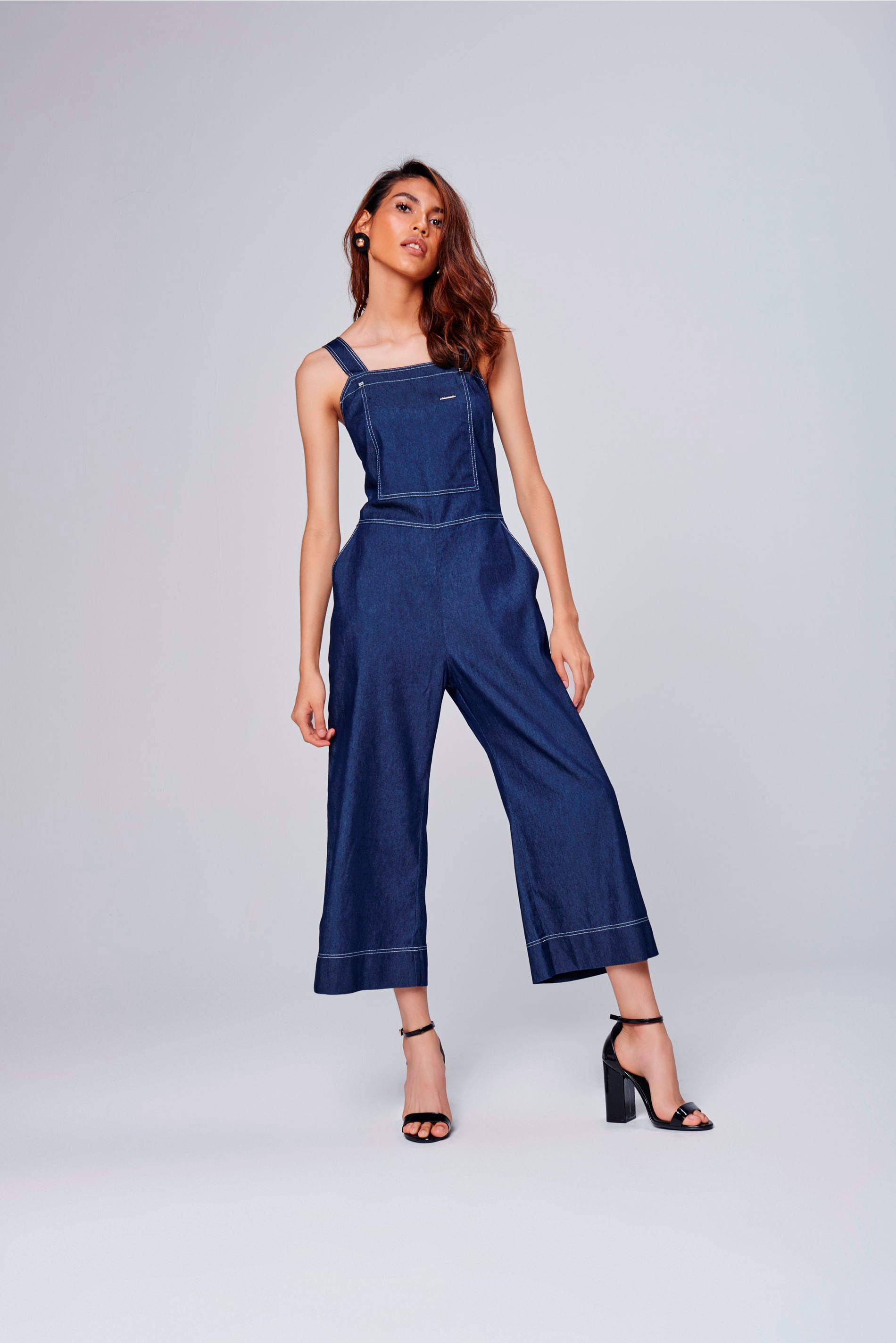 af91b1c59 Macacão Jeans Cropped Feminino - Damyller