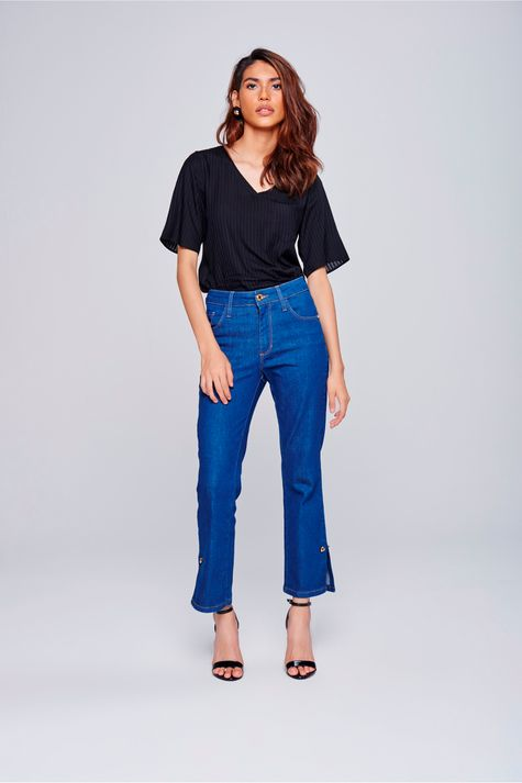 f6224913a5 Calça Jeans Cropped com Detalhe Lateral - Damyller