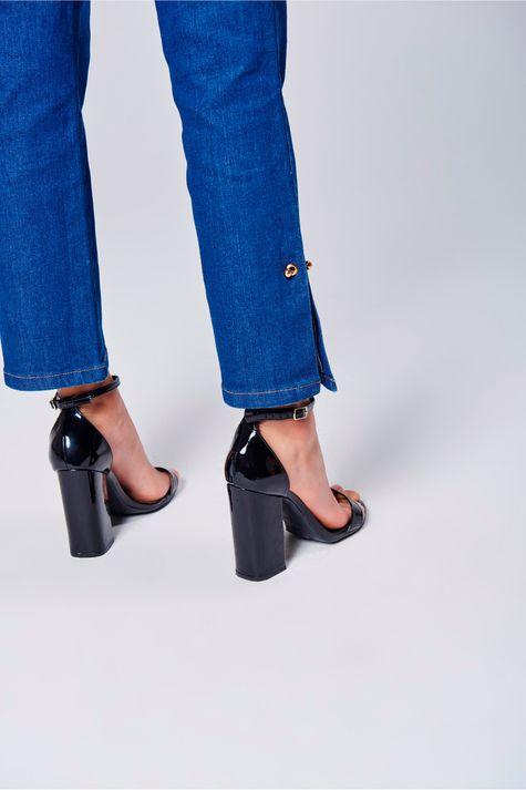 Calca-Jeans-Cropped-Feminina-Detalhe--