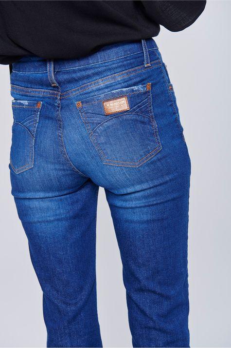 5c047480c Calça Jeans Reta com Cintura Alta - Damyller