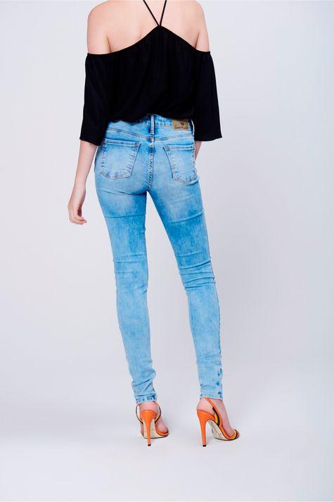 Calca-Jeans-Skinny-com-Rasgos-no-Joelho-Costas--