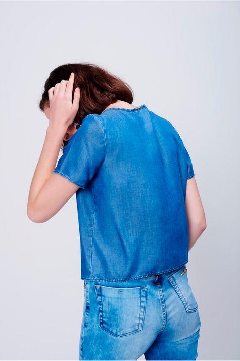Camiseta-Jeans-Estampa-Metalizada-Detalhe--