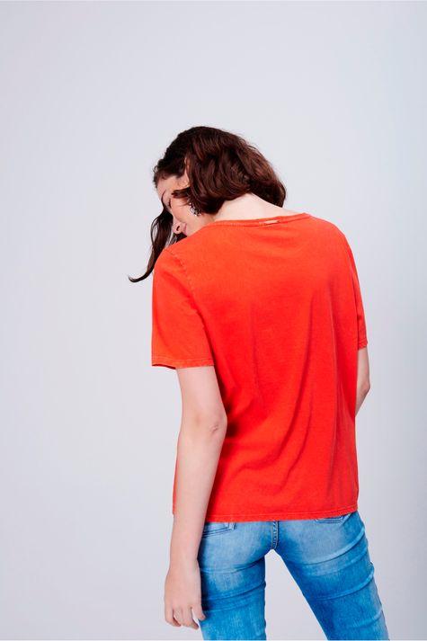 Camiseta-Feminina-Estampada-Detalhe--