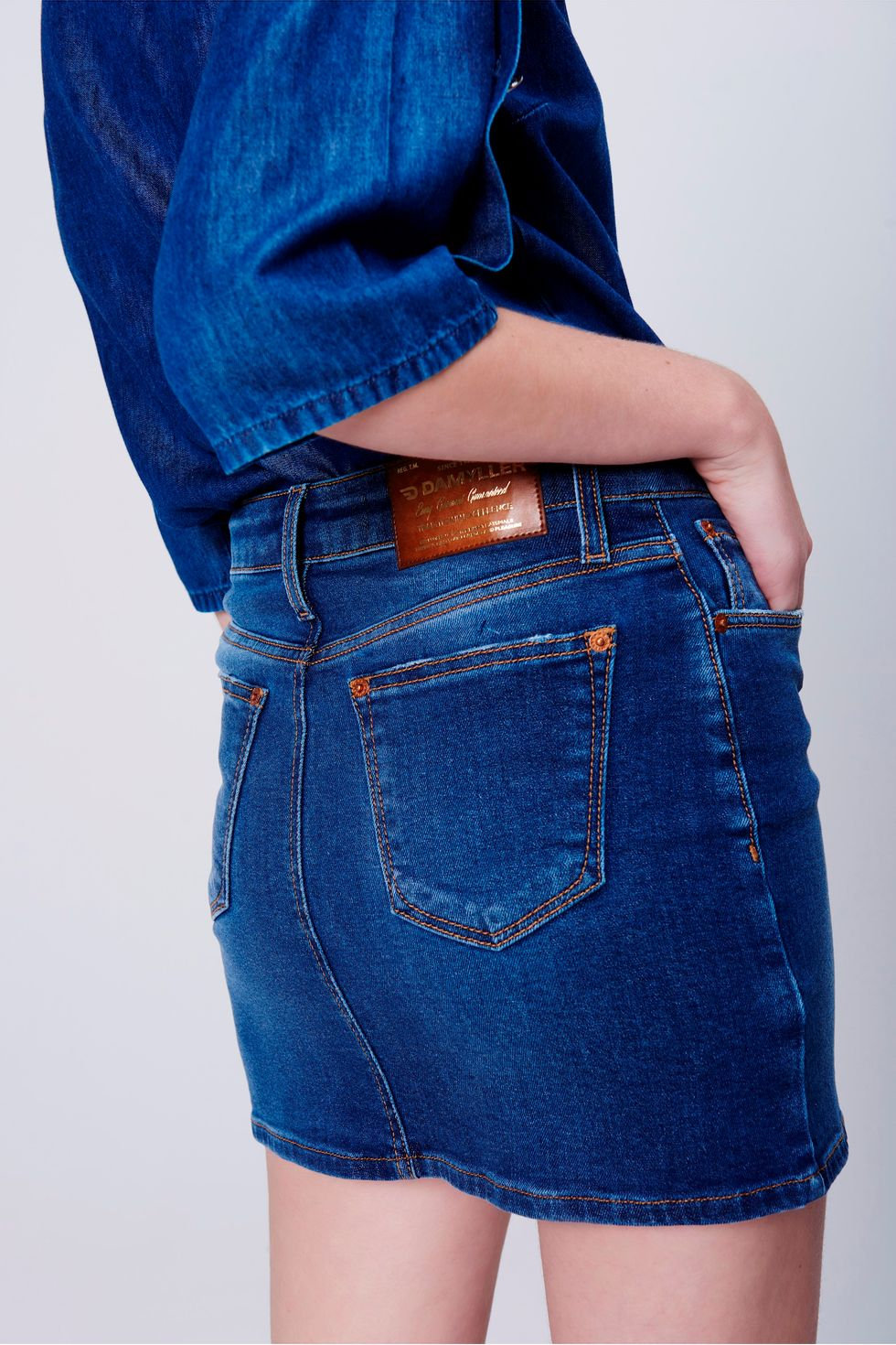 Saia-Jeans-Feminina-Detalhe--