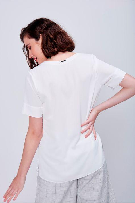 Blusa-Feminina-Alongada-Estampa-Frente-Costas--
