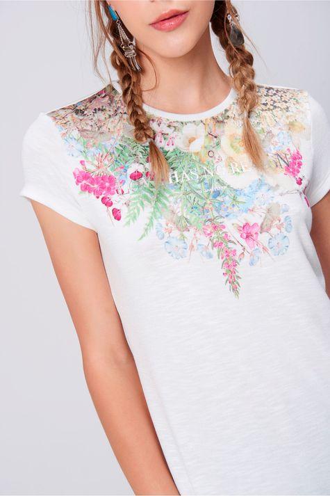 Camiseta-Feminina-Estampa-Floral-Frente--