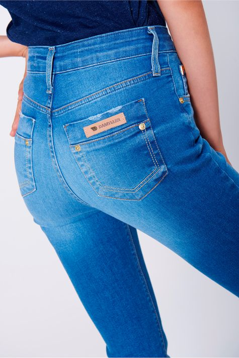 Calca-Jeans-Reta-Feminina-Frente-1--