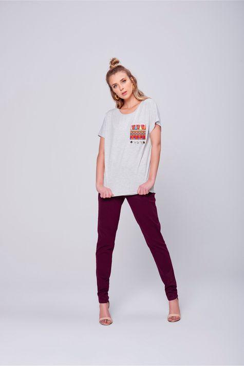 Camiseta-com-Bolso-Feminina-Frente--