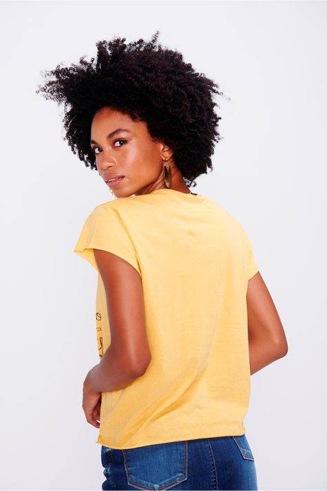 Camiseta-Tingida-Estampa-Florescer-Costas--