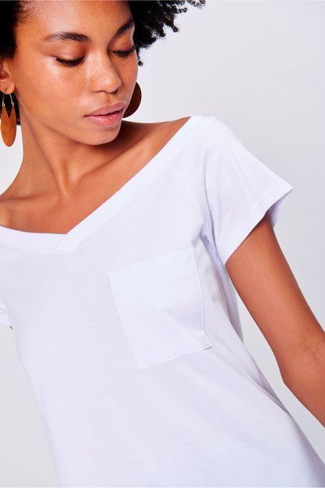 Camiseta-Feminina-Decote-Aberto-Frente--