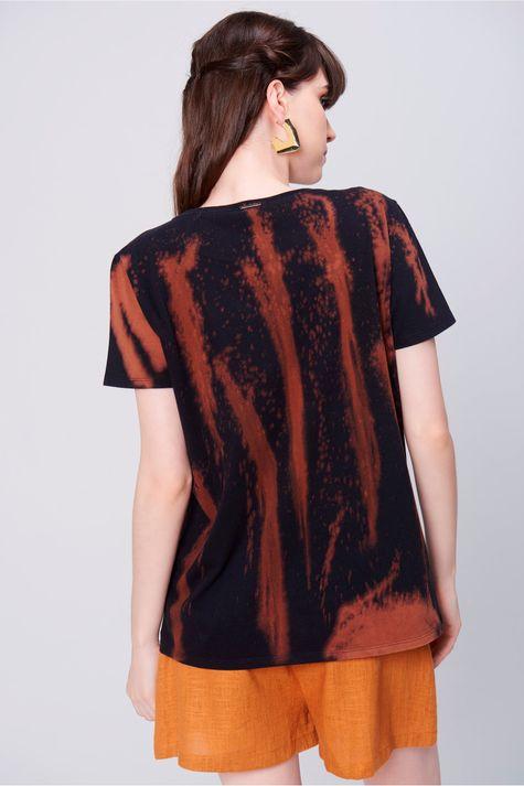 Camiseta-Tingida-Estampada-Feminina-Costas--