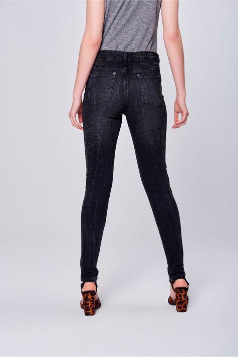 Calca-Cigarrete-Jeans-Preta-Feminina-Frente-1--