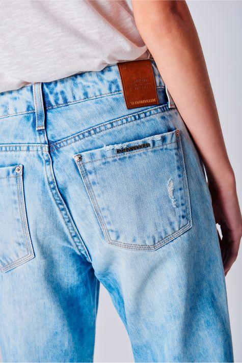 Calca-Boyfriend-Cropped-Jeans-Rasgada-Detalhe--