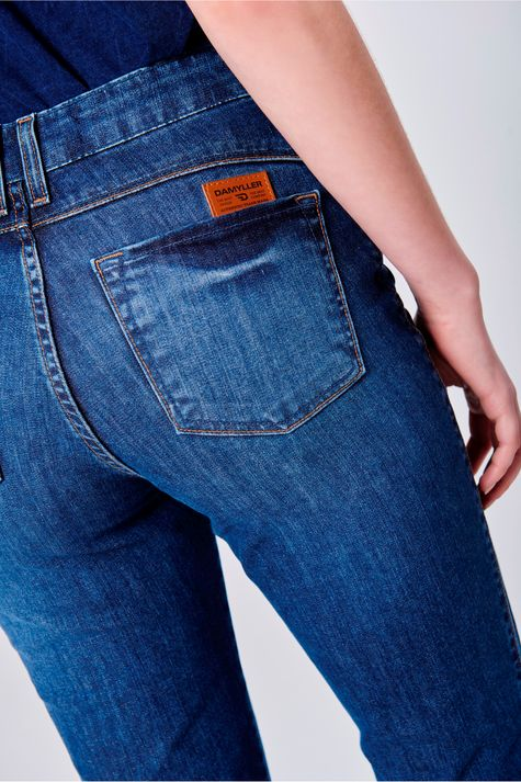 Calca-Boot-Cut-Jeans-com-Fenda-na-Barra-Detalhe--