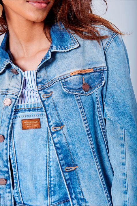 Jaqueta-Jeans-Trucker-Unissex-Detalhe-Feminina--