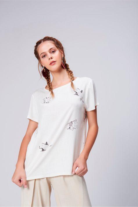 Camiseta-Feminina-Estampa-Repeticao-Frente--