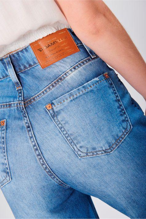 Pantalona-Jeans-Cropped-Barra-Desfiada-Detalhe--