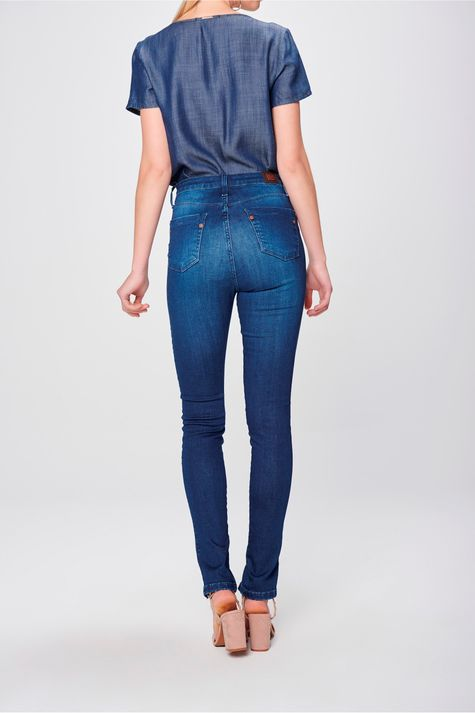 Calca-Jeans-Jegging-com-Fenda-na-Barra-Costas--