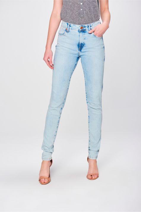 Calca-Skinny-Jeans-com-Bolsos-Embutidos-Frente-1--