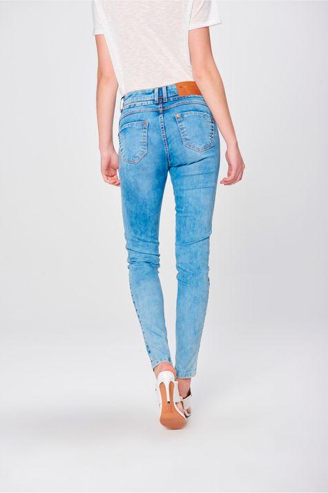 Calca-Jegging-Jeans-com-Pala-Arredondada-Costas--