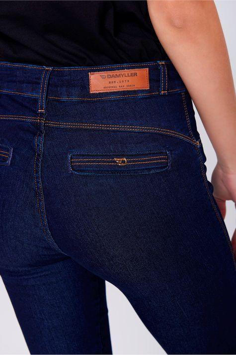 Calca-Jegging-Jeans-Cropped-Cintura-Alta-Detalhe--