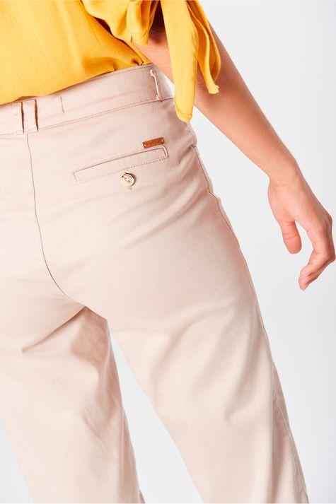 Calca-Chino-Cropped-Color-Feminina-Detalhe--