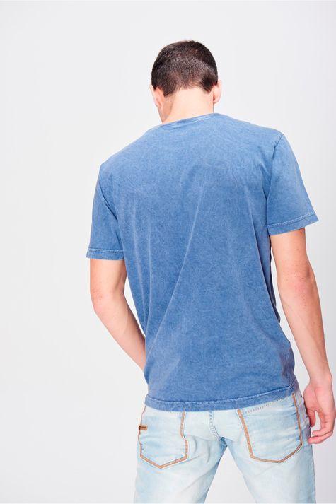Camiseta-Tingida-com-Bolso-Masculina-Costas--