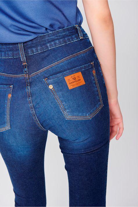 Calca-Jeans-Skinny-Basica-Feminina-Detalhe--