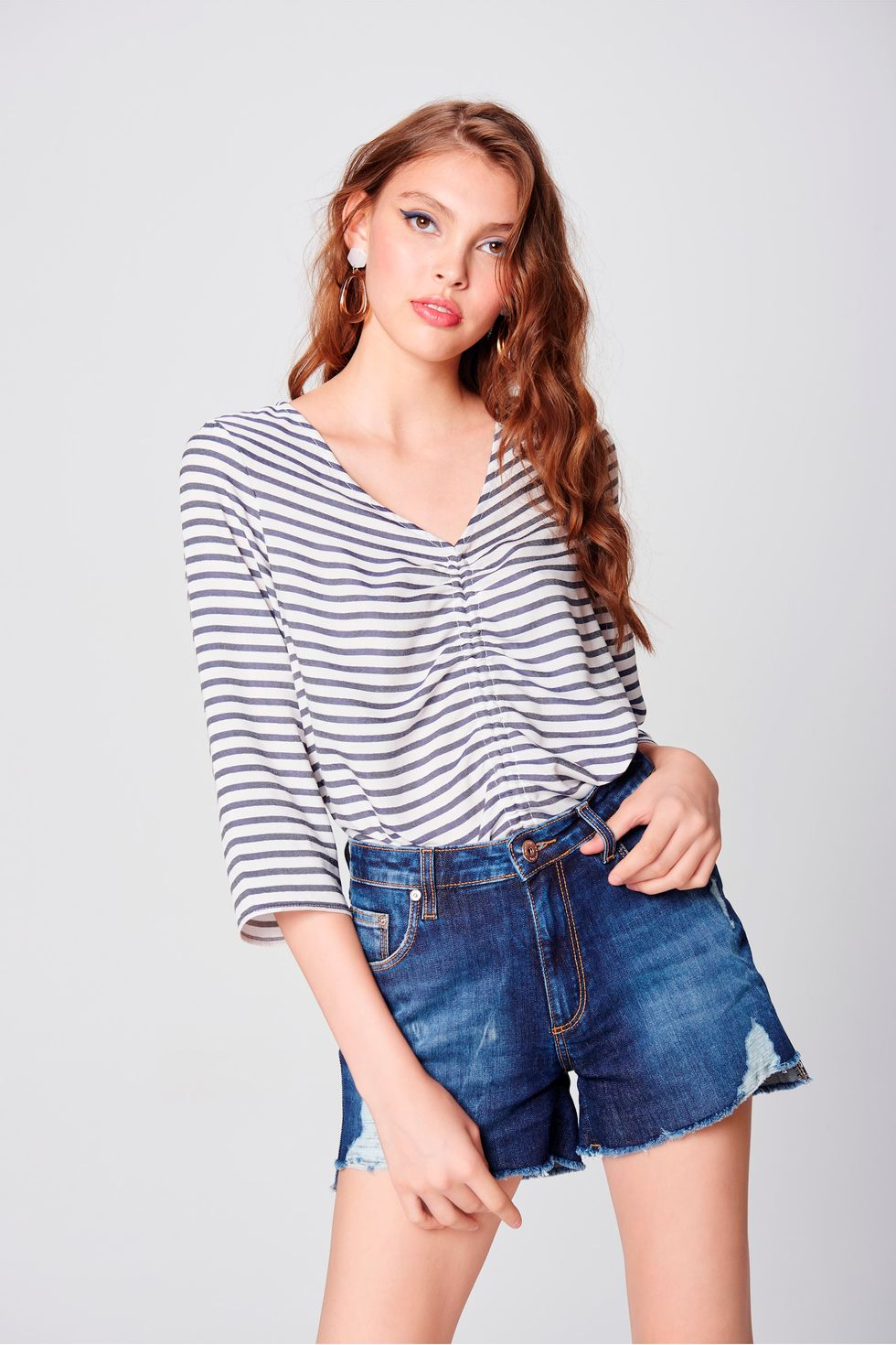 Short-Jeans-de-Cintura-Alta-Destroyed-Frente--