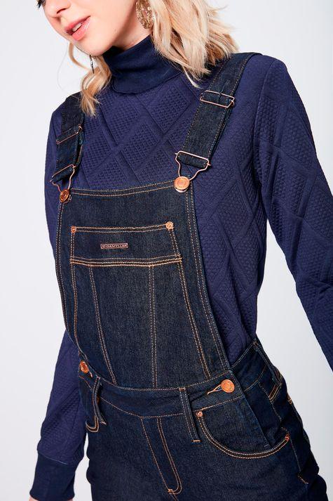 Jardineira-Jeans-Amaciada-Feminina-Detalhe--