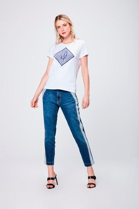 Camiseta-Estampada-Feminina-Detalhe-1--