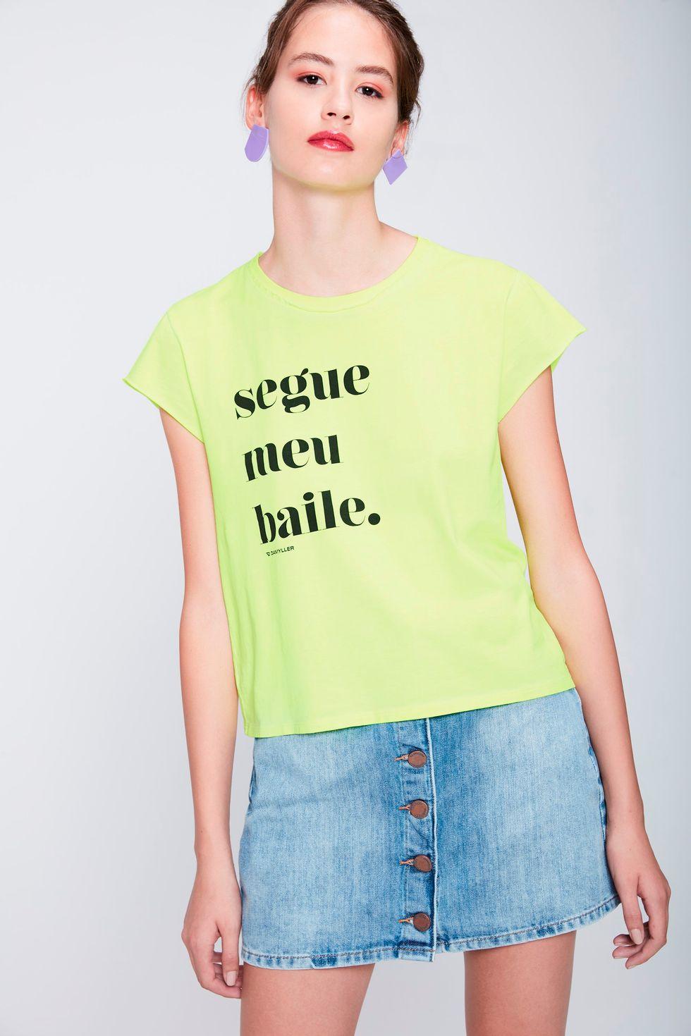 Camiseta-Neon-Segue-Meu-Baile-Feminina-Frente--