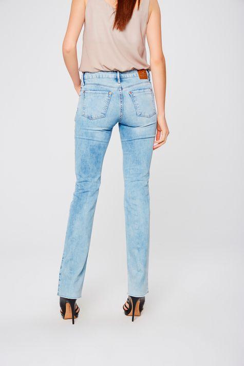 Calca-Jeans-Reta-com-Barra-a-Fio-Costas--