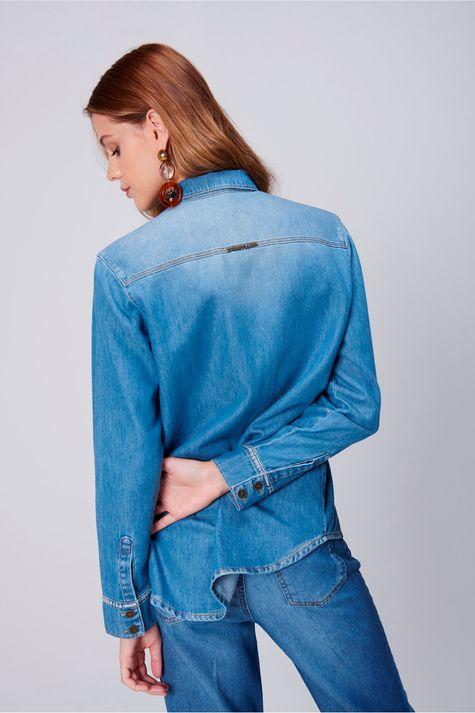 Camisa-Jeans-com-Bolsos-Feminina-Frente--