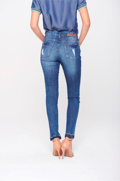 Calca-Cigarrete-Jeans-com-Fenda-Frontal-Costas--