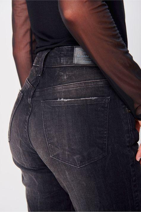 Calca-Cigarrete-Jeans-Destroyed-Black-Detalhe--