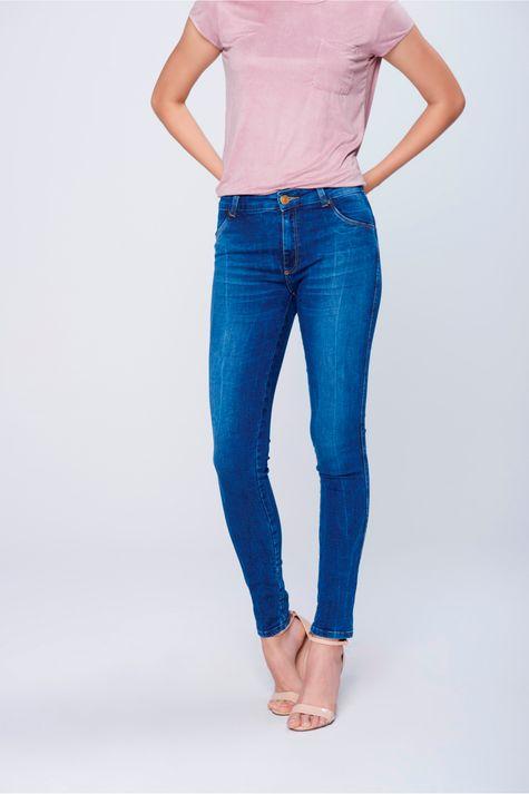 Calca-Jegging-Jeans-com-Pala-Arredondada-Frente-1--