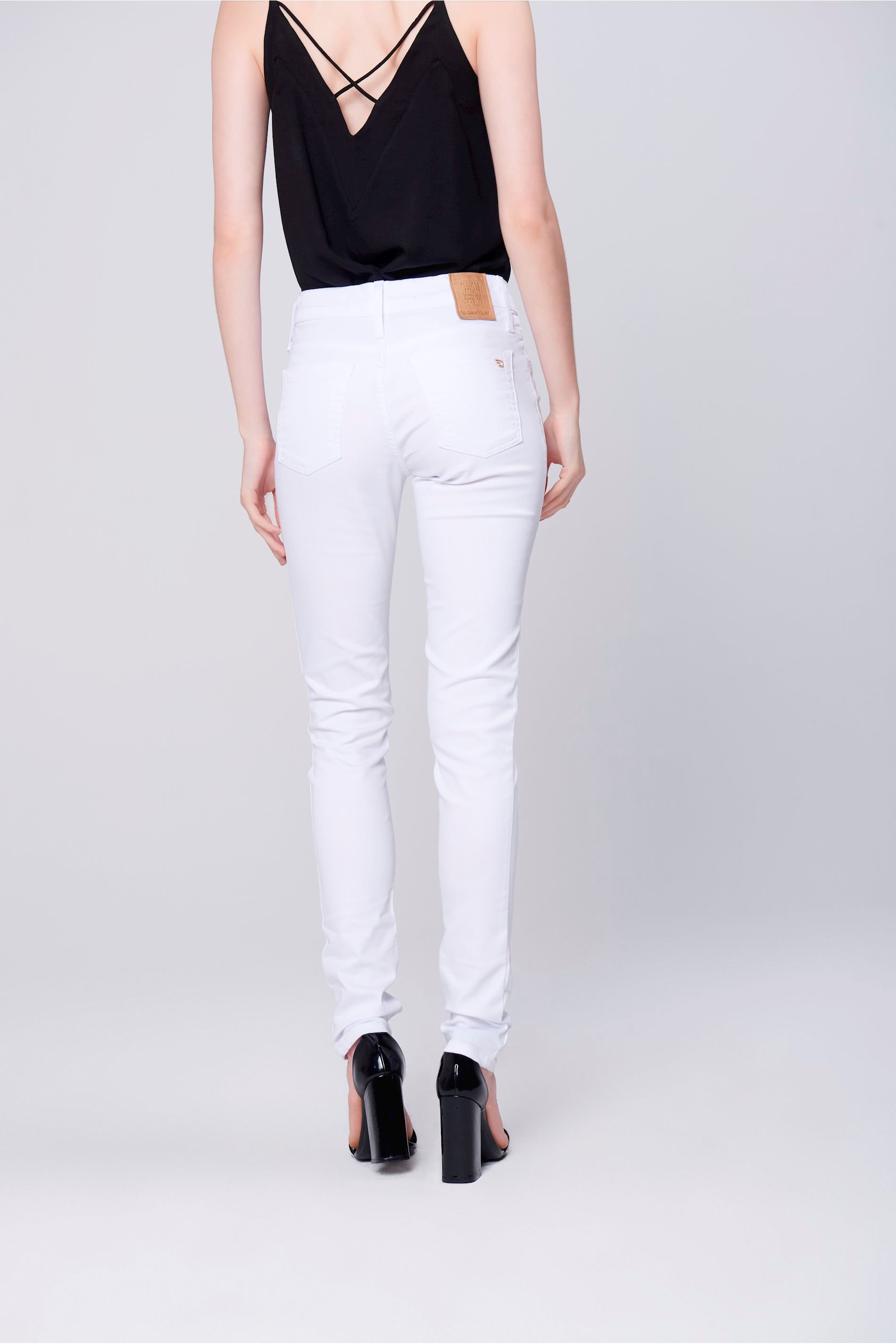 698a41bda Calça Skinny Branca Feminina - Damyller