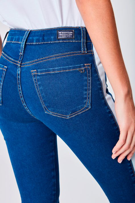 Calca-Jeans-Cintura-Alta-Feminina-Detalhe--