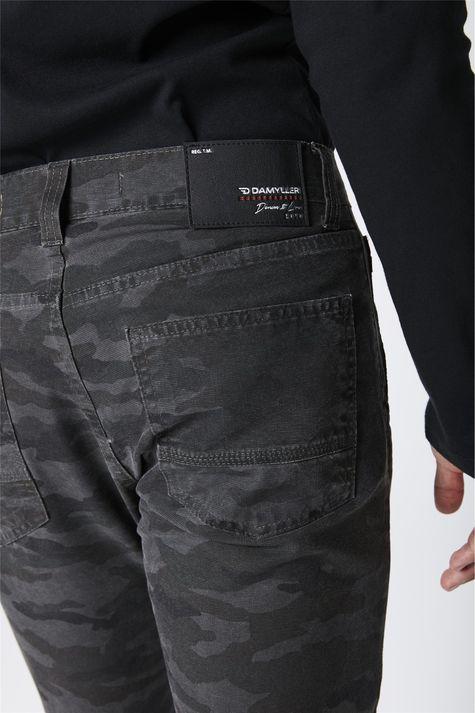 Calca-Skinny-Camuflada-Masculina-Detalhe--